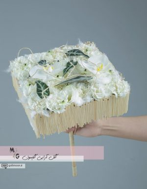 دسته گل مدرن سازه ای ارکیده و میخک