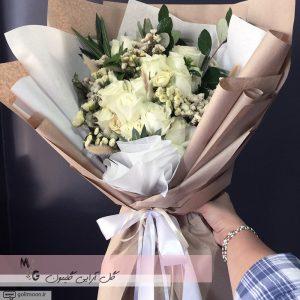 دسته گل هدیه رز سفید4